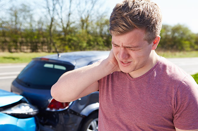 Fort Myers whiplash chiropractic treatment